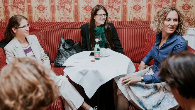 In Powerteams für Frauen mit Peer Coaching gemeinsam berufliche Ziele erreichen