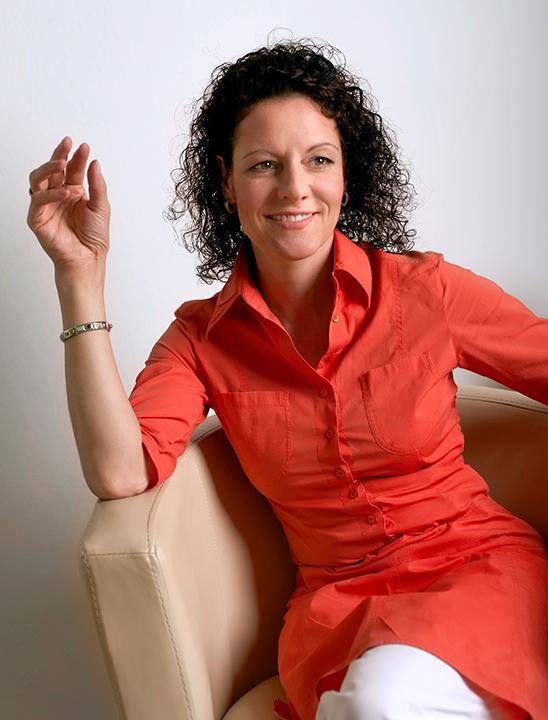 Susanne Schwanzer, die Weichenstellerin für erfolgreiches Projektmanagement mit Leadership und sozialer Kompetenz